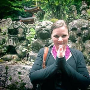 taura-prayer-pose